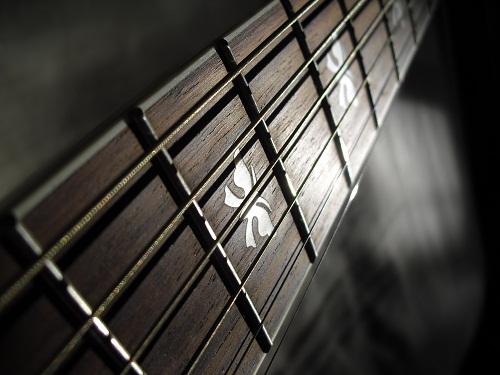 Видеоуроки игры на гитаре для начинающих